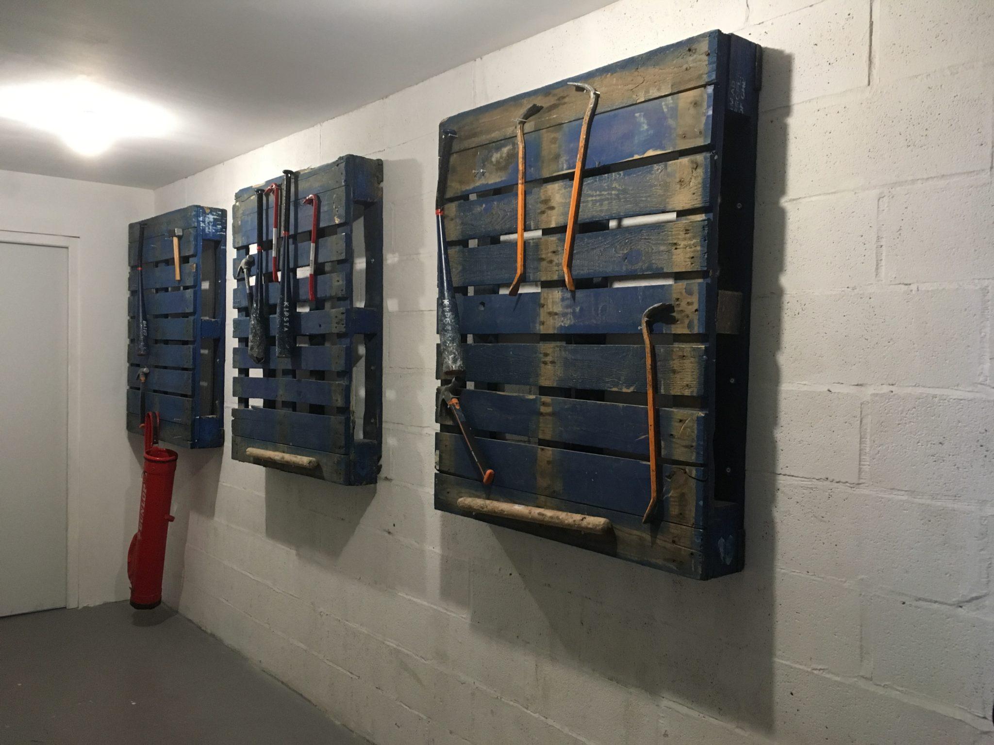 Le choix des armes sur palette au défouloir Lille
